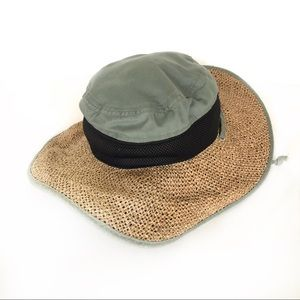 Columbia floppy sun beach or fishing hat. Straw